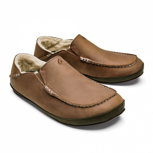 olukai-moloa-slipper-toffee-dark-wood-slipper can be found online or in store at assembly88 men's clothing store in Allentown, PA